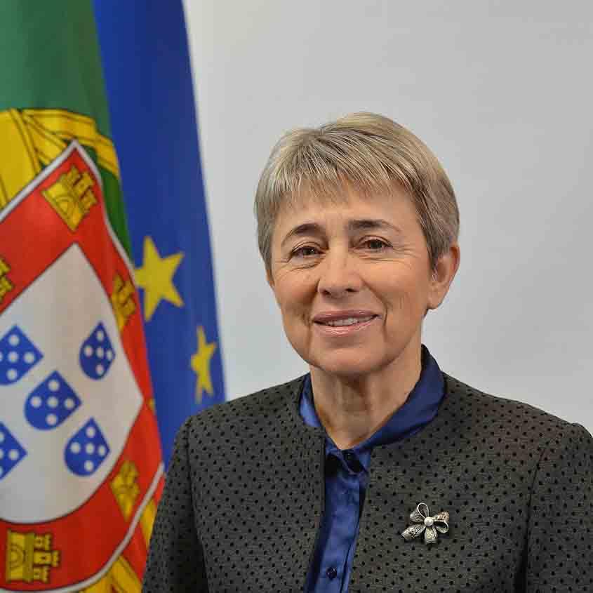 Secretária de Estado das Comunidades saúda portugueses que combatem pandemia no estrangeiro